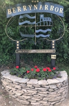 Berrynarbor's Village Sign and Stone Planter